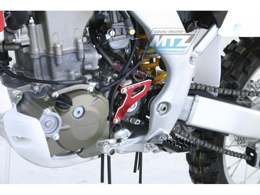 Kryt řetězového kolečka ZETA - Honda CR250 / 02-07 + CRF250R / 04-09 + CRF250X / 04-17 + CRF450R / 08 + Yamaha YZ125 / 05-17 - červený